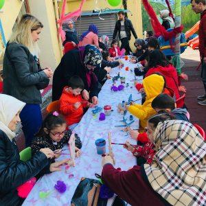 GaziOsmanPaşa Anaokulu büyükler ve cocuklarıyla partiler